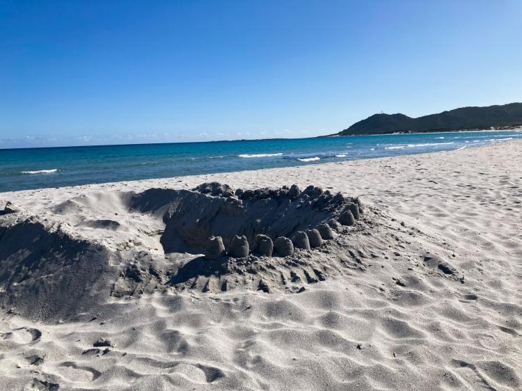 Der Strand von S'Ena e Sa Chitta, vor der Haustür