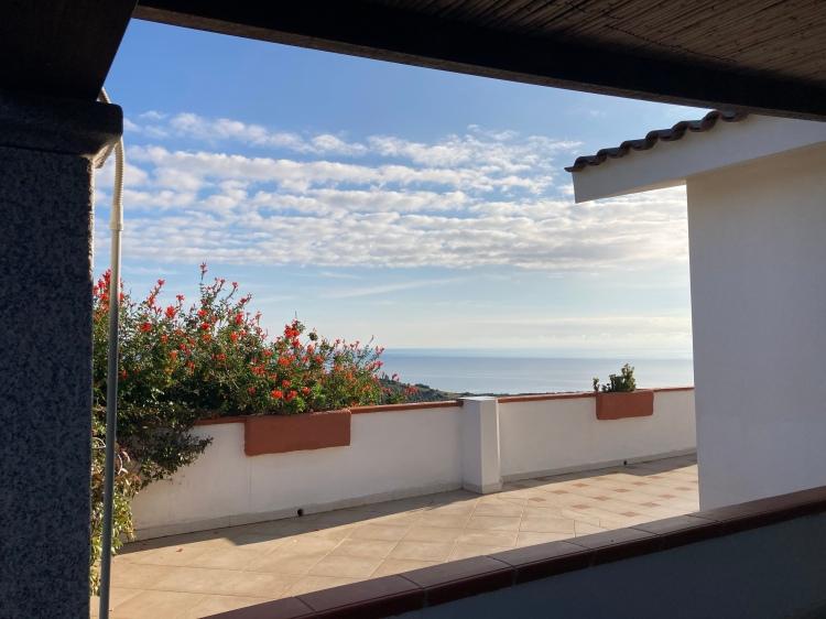 Jedes Apartment hat seine eigene Terrasse