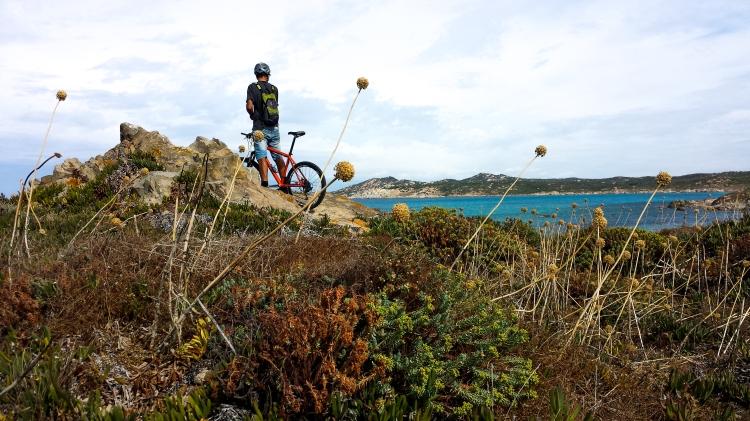 Mit dem Mountainbike von Luogosanto an die Nordwestküste.