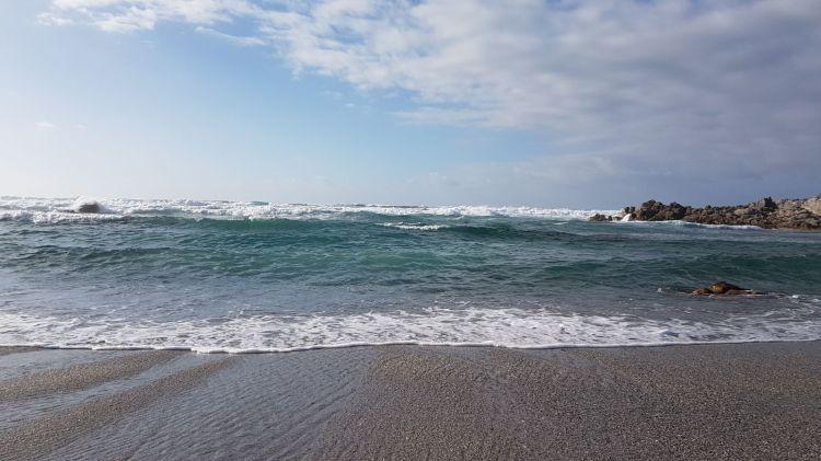 Aufgewühlt, an stürmischen Tagen - das sardische Meer